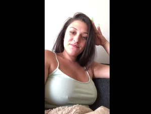 Sexy Periscope Hugsandkushess teasing her Big Boobs -05-02-2019-13-22-14