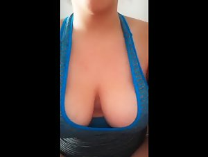 Periscope Dianafaria374 showing her Big Saggy Boobs 05-14-2019 17-29-18