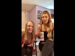 Hottest Periscope BlondeDuo 05-18-2019 00-18-48
