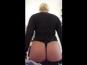 Periscope Kaylaro65570130 showing her thick ASS [2019-05-22 14-16-47]