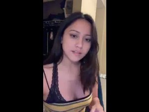 Periscope Steffyvx1 teasing her sexy body for Premium Snapchat 07-18-2019